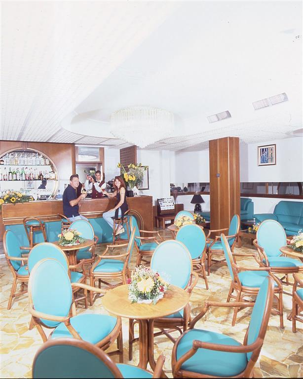 http://data.turancar.sk/t2/Hotel/1667/21422.jpeg