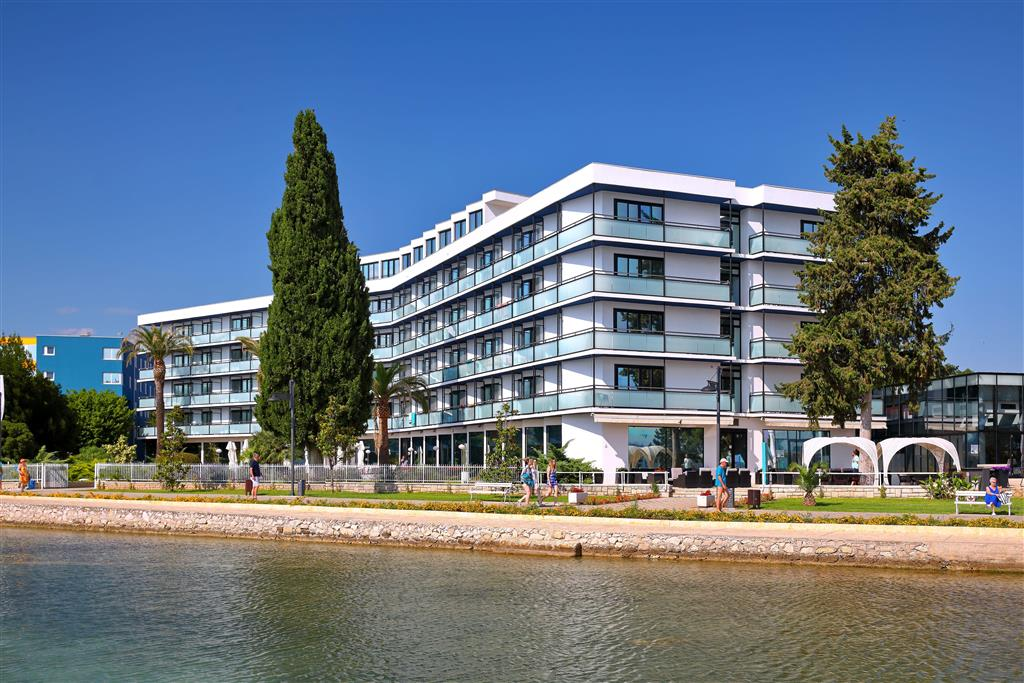 http://data.turancar.sk/t2/Hotel/2334/25017.jpeg