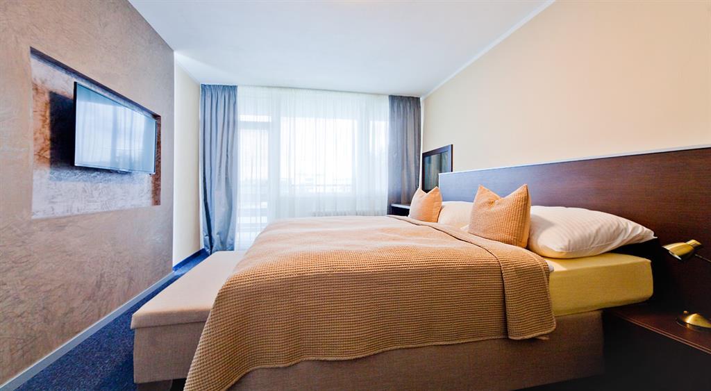 http://data.turancar.sk/t2/Hotel/2379/25428.jpeg