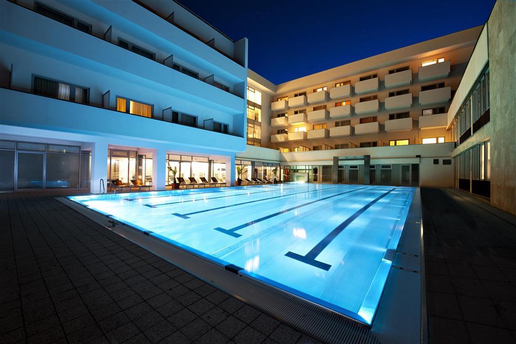 http://data.turancar.sk/t2/Hotel/2382/25342.jpeg