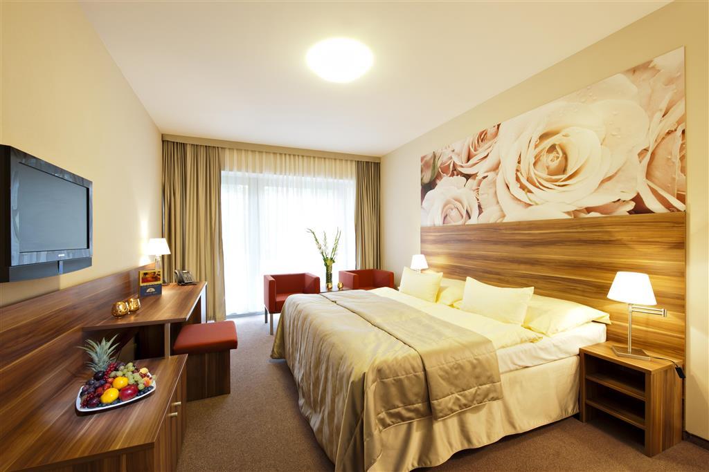 http://data.turancar.sk/t2/Hotel/2382/25349.jpeg