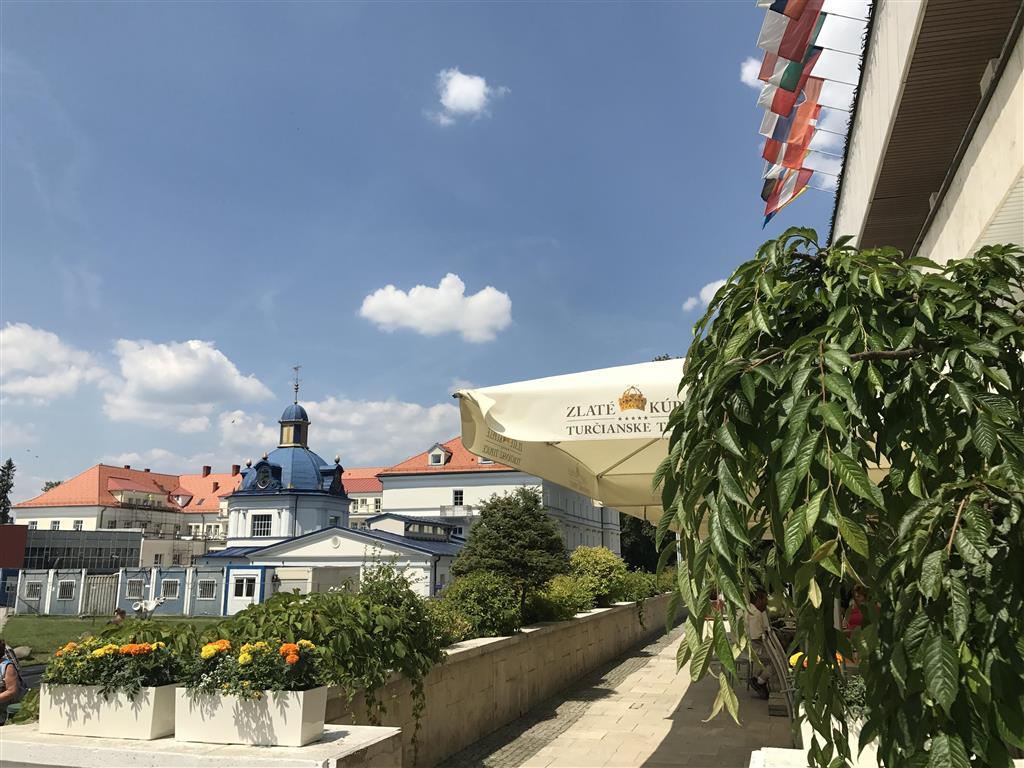 http://data.turancar.sk/t2/Hotel/2382/25362.jpeg