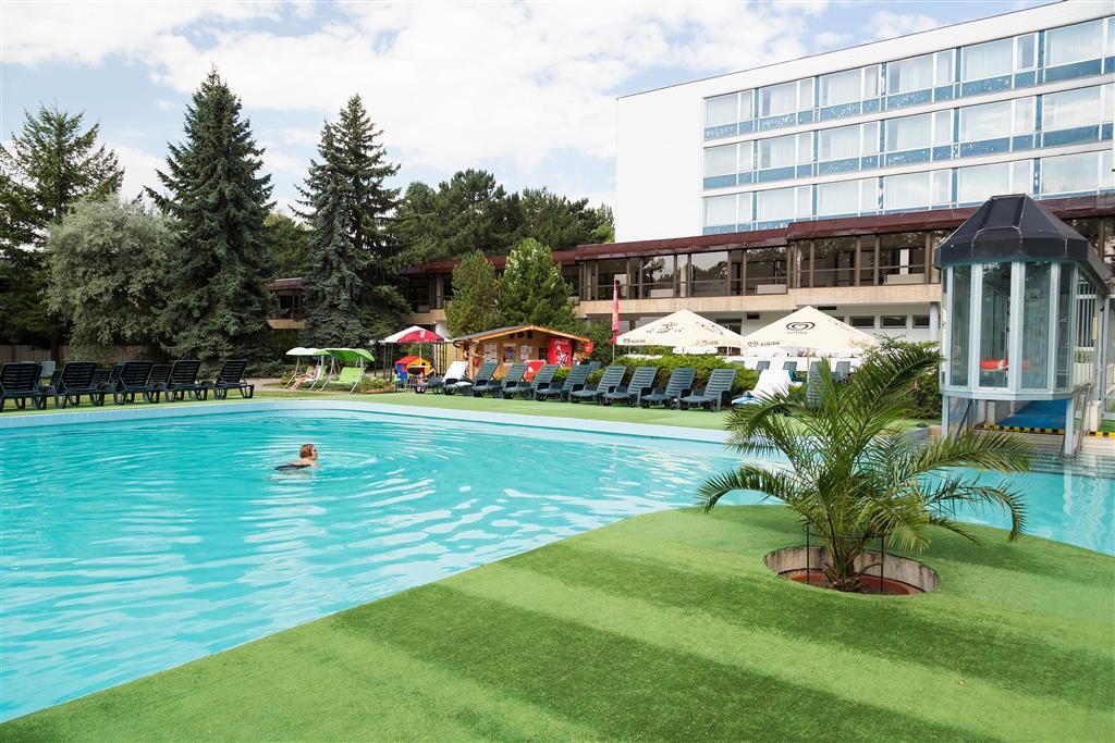 http://data.turancar.sk/t2/Hotel/2387/25543.jpeg